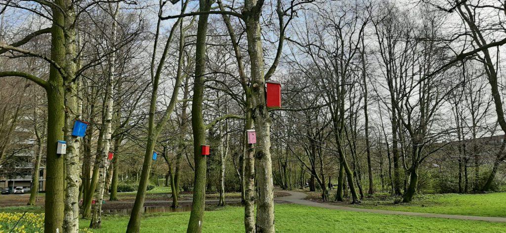 Nestkastjes voor natuurlijke bestrijding eikenprocessierups
